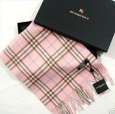 Burberry的围巾已成为经典中的经典