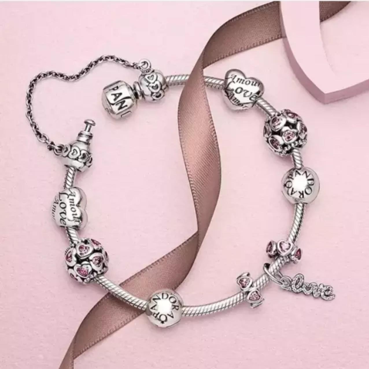 PANDORA潘多拉官网全场买满125镑送价值55镑银质耳环