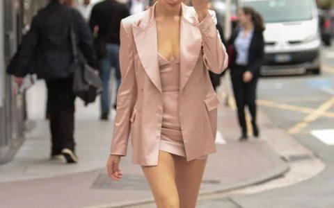 裙子里千万别穿打底裤,现在流行这么穿!